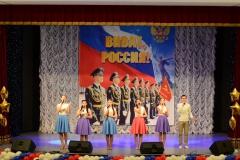 Исполнение песни Соловьи вокальным ансамблем Славяночка ЦК Нефтяник
