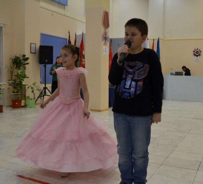Рита и руслан Бояровы с песней Бабушка и интернет